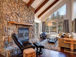 4BR/3BA Vail Duplex on Gore Creek with 4 Floors, Sleeps 12