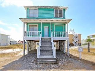 Walk the Beach at a 4BR Tropical House in Gulf Shores, 'License to Chill', Gasque