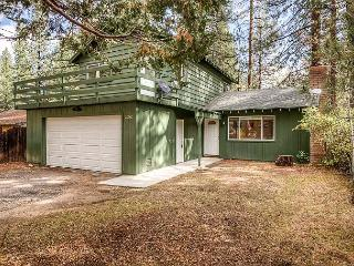 Classic 4BR Cabin w/ All-New Furniture & Beds - In Heart of South Lake Tahoe