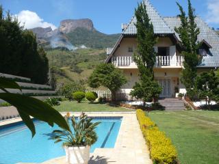 Mountain Castle, Sao Bento do Sapucai