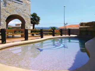 villa de la rosa con jacuzzi y discotecas incluidas en el precio