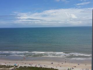 Ocean Condo - CLEAN - 2bd - Spectacular Views!!