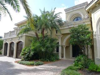 Magnificent 5 Bedroom Waterfront Luxury Vacation Estate Home | Private Pool, Fort Lauderdale