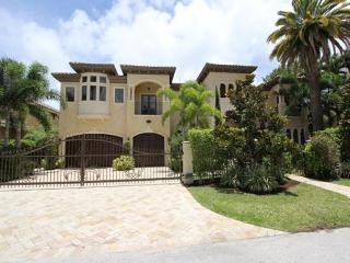 Luxurious 7 Bedroom Waterfront Private Vacation Estate | Private Pool & Spa, Fort Lauderdale