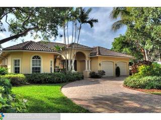Spectacular 3 Bedroom Luxury Vacation Home | Private Pool | Walk to Beach, Pompano Beach
