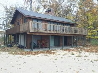 Shaded Lake Michigan Retreat, Private Frontage, Manistee