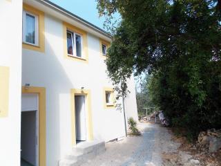 Laurel's Abode, Kras