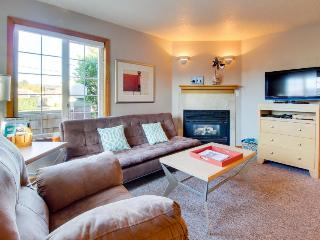 Welcoming, dog-friendly home with close beach access near downtown!, Cannon Beach