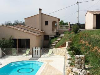 Villa individuelle , CALME ABSOLU ,TOUT CONFORT, Niza