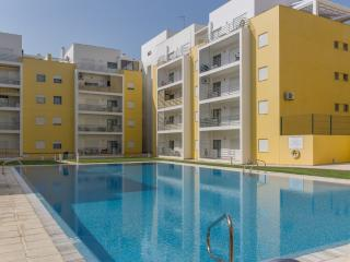 Marley Yellow Apartment, Armação de Pêra, Algarve, Pera