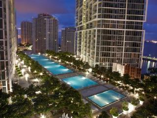 Luxury Waterfront in Urban Oasis at Icon Vicerroy