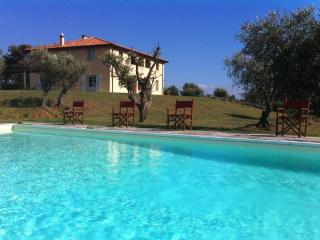 Villa Vittoria holiday vacation large villa rental, italy, tuscany, near seaside, casteglione, air conditioning, pool, view, wi-fi inte, Cecina