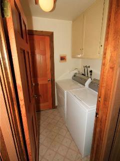 Sink,Lighting,Bathroom,Indoors,Loft