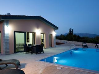 NEMA villas, Vathy