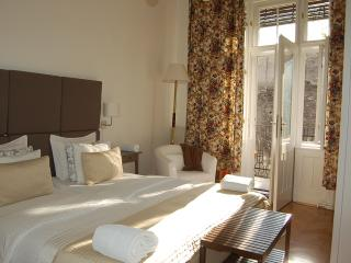 2 ENSUIT BEDROOM + LIVINGROOM & BALCONY next OPERA, Budapest