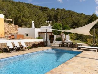 Villa with pool,barbecue Sant, Es Cubells
