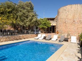 Villa with pool,valley Sant An, Port d'es Torrent