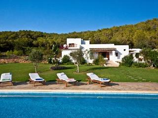 Villa with pool,garden Santa E, Port de Sant Miguel