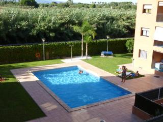 Apartment near beach & Port Aventura. It has it all, Cambrils