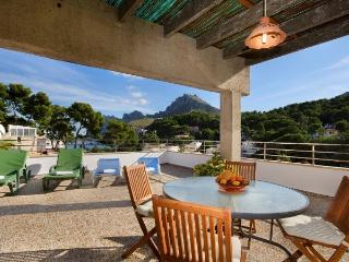 Apt. with beach,terrace Pollen, Cala San Vincente