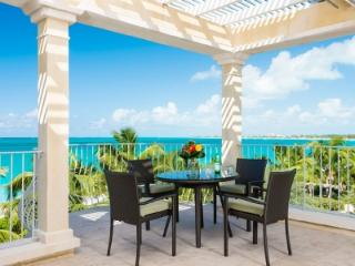 3rd Floor Deluxe 3 Bedroom Villa #308 (sleeps 6-7), Grace Bay