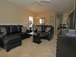 Just 1 mile from Disney spacious 3bd condo, Kissimmee