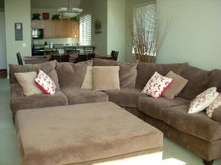 Private balcony and resort attractions, near skiing!, Redmond