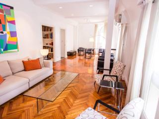 Classic 1 Bedroom Apartment in Recoleta, Buenos Aires