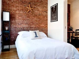 BOUTIQUE DESIGNER APARTMENT - 2 BED + 2 BATH, New York City