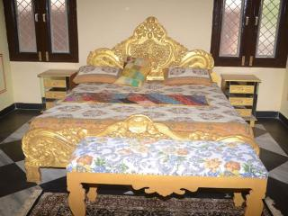 Court Shekha Haveli Room Yellow, Jaipur