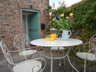36737 Cottage in Holt, Little Thornage