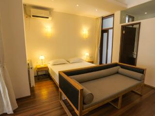 Cozy French Concession Apt-S102, Shanghai