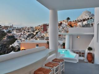 BlueVillas | Villa Armelle |  Private outdoor jacuzzi with view near Fira town