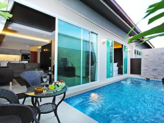 La Ville Pool Villa B12 3 Bed, Pattaya