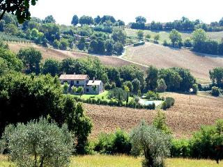 Detached 7 bedroom villa with private pool in Umbria, Lugnano in Teverina