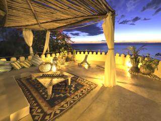 Stunning full staffed Villa on a private beach, Likoma Island