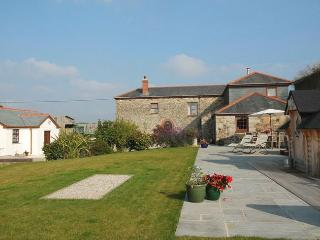RIVHO Barn situated in St Ives (5mls SE)