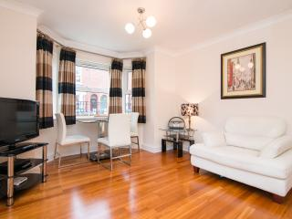 Fab quiet apartment in lively Didsbury village, Greater Manchester