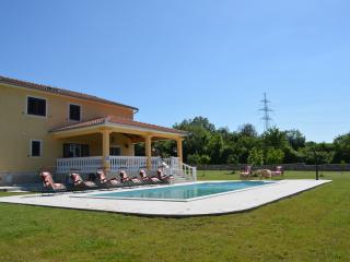 Villa with a big Pool (53m2) near the beaches, Krsan