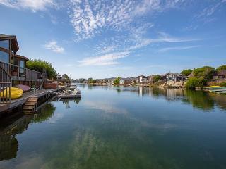 Spacious Seadrift Lagoon home with hot tub