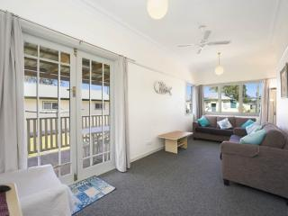 BEACHHOUSE BARRENJOEY - ETTALONG BEACH