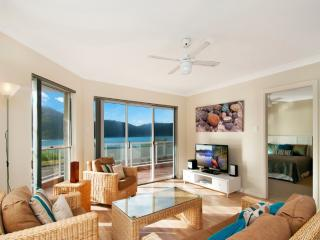 BY THE BEACH - WATERFRONT ETTALONG BEACH, Ettalong Beach
