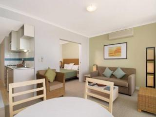 POOL DELIGHT - ETTALONG BEACH RESORT, Ettalong Beach