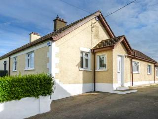 "CAMPBELL""S BRIDGE, single-storey, sun room, open fire, parking, garden, in"