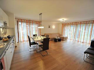 106 - Apartments Villa Jim - 3-bedroom-Apartment, Ortisei (St. Ulrich in Groeden)