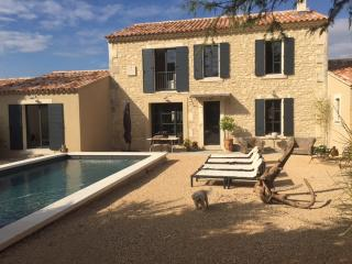 Charmant mas de ville avec piscine, Saint-Rémy-de-Provence