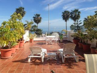 Apartment in first line of Burriana with great sea, Nerja