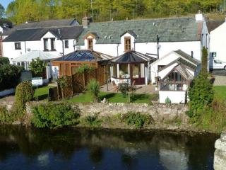 RIVER COTTAGE, Eamont Bridge, near Ullswater
