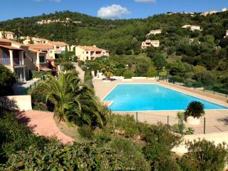 SUPERB SPACIOUS APARTMENT ON THE COTE D'AZUR, Les Issambres