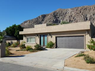 Perfect Location 3b2b Pool Home, La Quinta